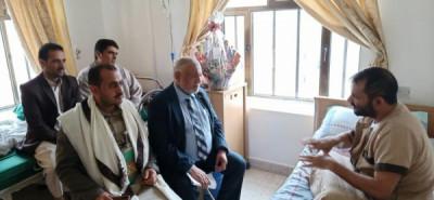 وزير الشئون الاجتماعية والنقيب واللاحجي في زيارة المدير ...